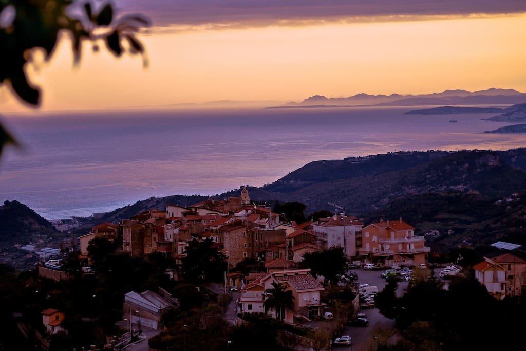 Vista Panoramica + Costa