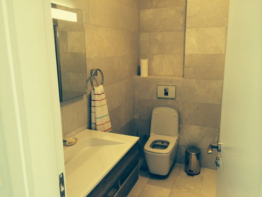 superb toiletts with large shower