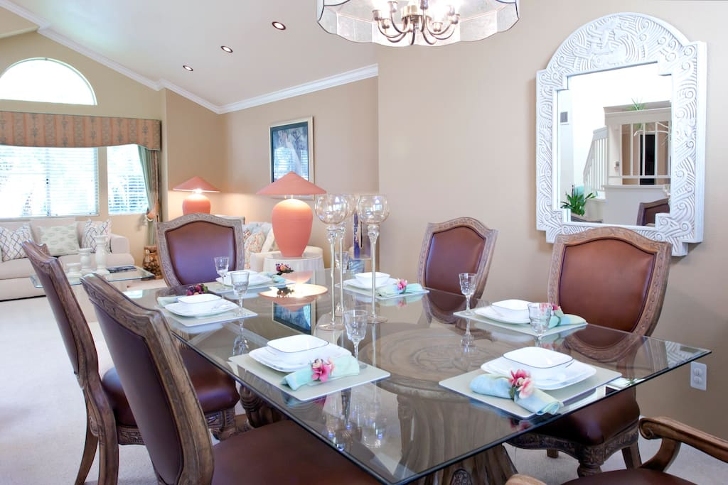 Formal dining room, perfect for your entertaining needs