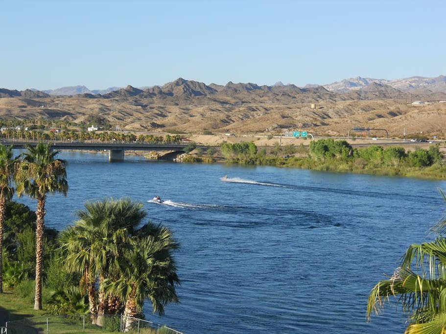Laughlin Bridge nearby