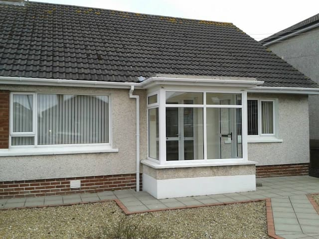 3 Bedroom Holiday Home in Central Portstewart