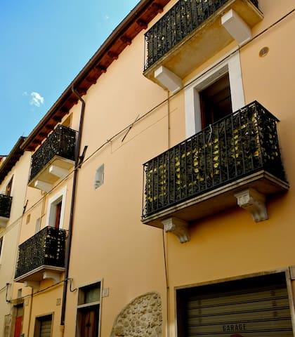 Nice studio apartment in city center - Sulmona - Appartement