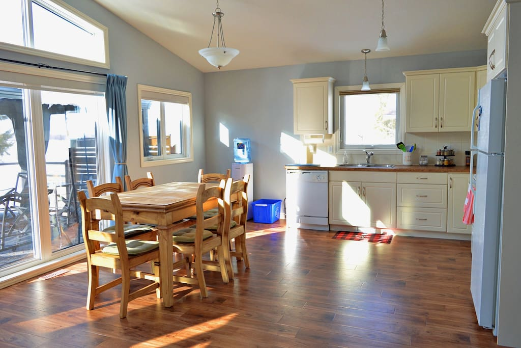 Open Concept Kitchen and Dining Room with expandable table for 8p