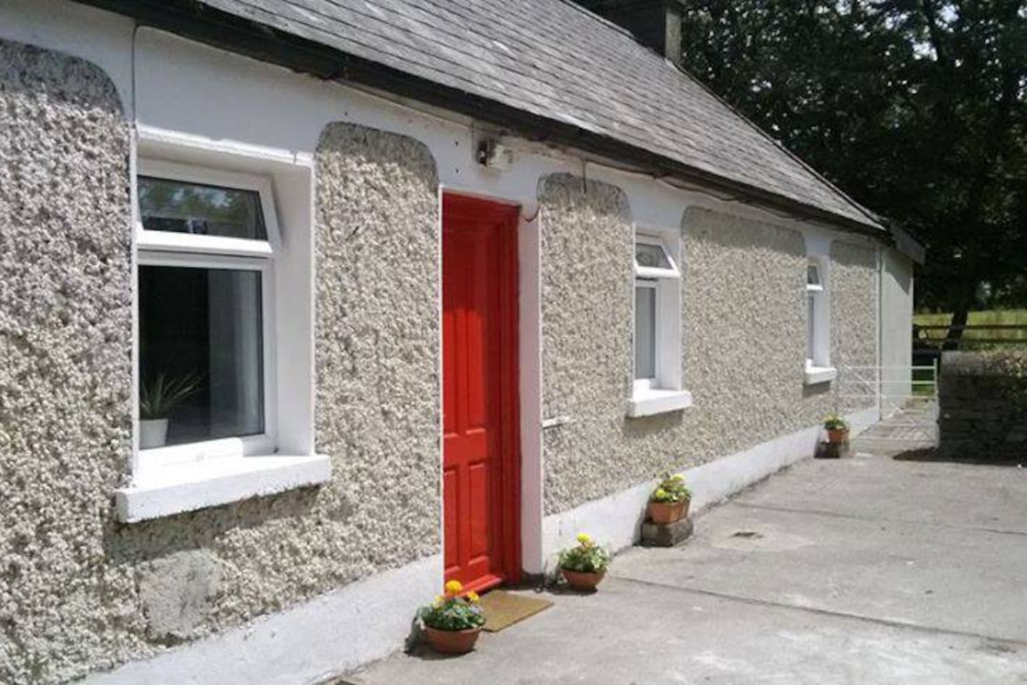 Beautiful sunny day in Carrigeen Cottage