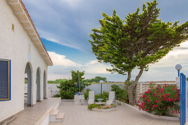 RENT VILLA IN SALENTO NEAR THE SEA - Lendinuso - Villa
