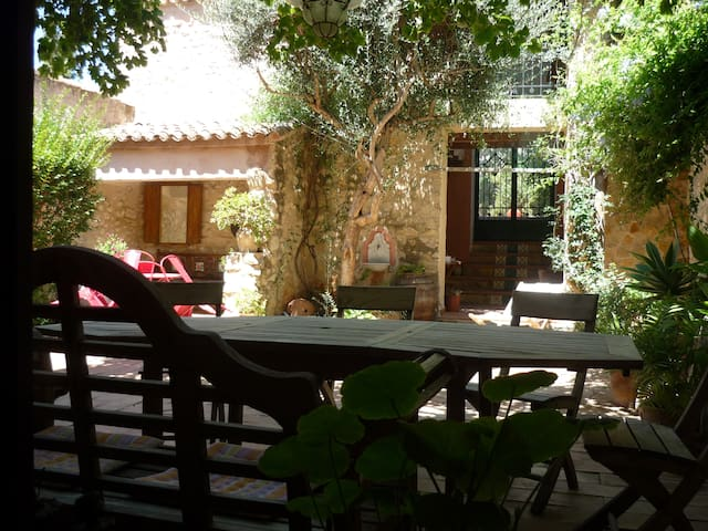Typical village house w/ garden and patio - Adsubia - House