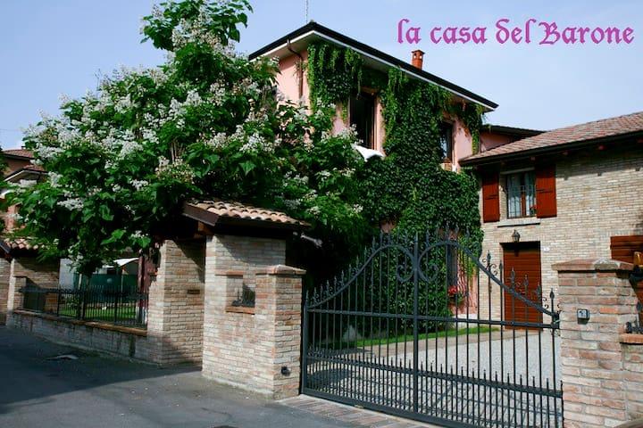 la Casa del Barone rent apartments - Reggio Emilia - Huoneisto
