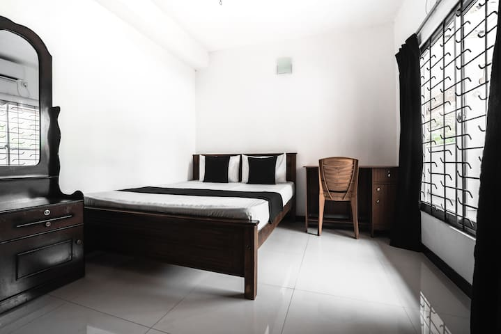 Layback - Double Room with Air Conditioning