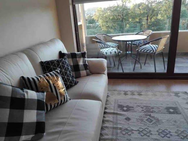 Agradable y cómodo condominio en av. costanera