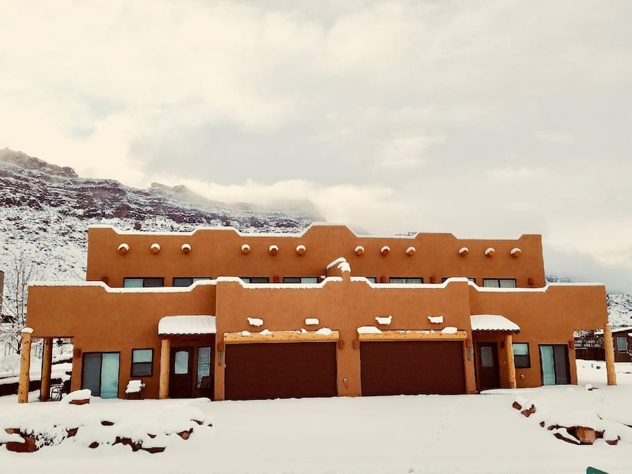 Come enjoy the your winter holiday in Moab