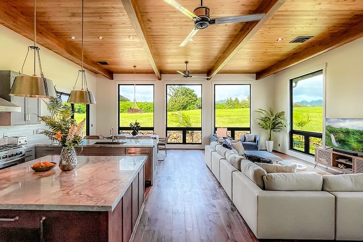 Poipu New 2021 Custom Home, Central AC & Pool/Gym