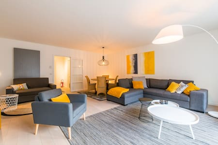Spacious apartment with sea view in Knokke