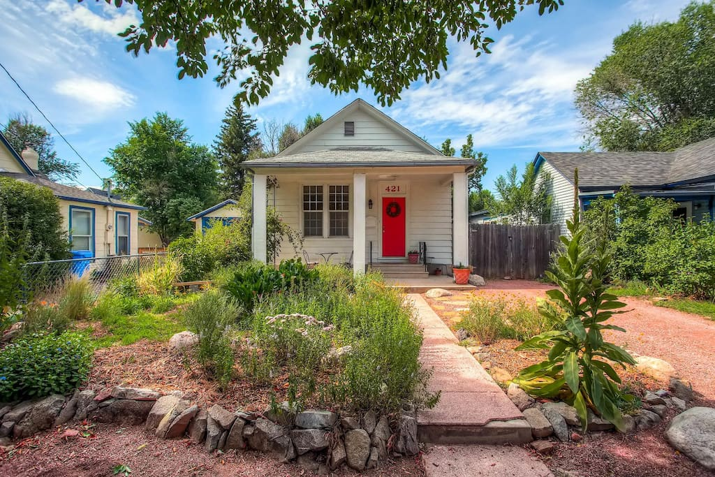 cozy cottage in the heart of colorado springs houses for rent in colorado springs colorado