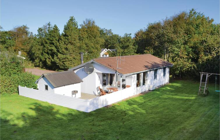 Holiday cottage with 3 bedrooms on 60 m² P52088