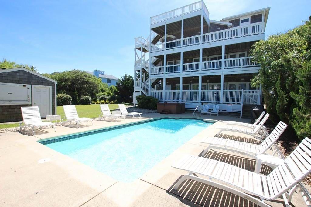 Building,Bench,Villa,Hotel,Pool