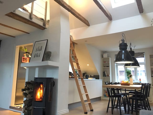 Designer apartment with a great location in Vejle.