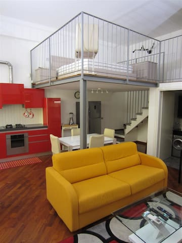 Loft in Navigli District - Free WiFi
