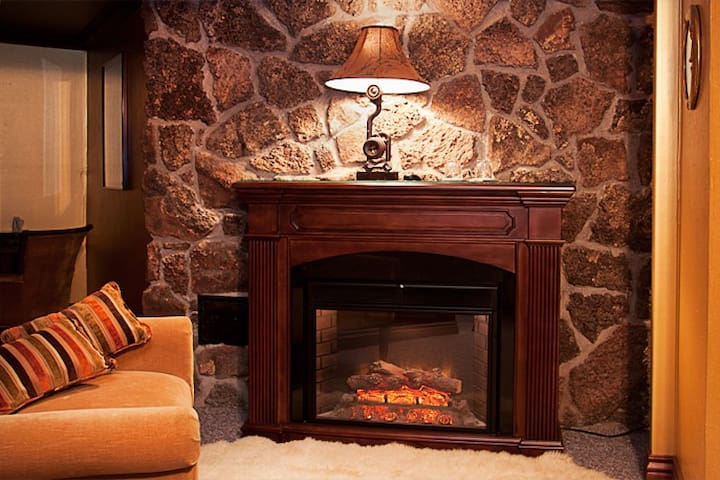 Honeymoon room 15 min from Purgatory Ski-Resort