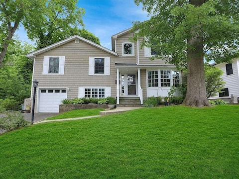 Beautiful Home Near Beaches/Parks, and Restaurants