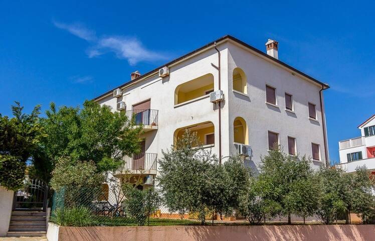 Apartment Casa Saftic (74021-A1)
