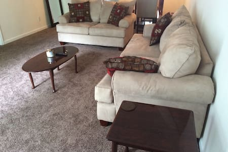 Iron Horse Open Furnished Apartment - Augusta
