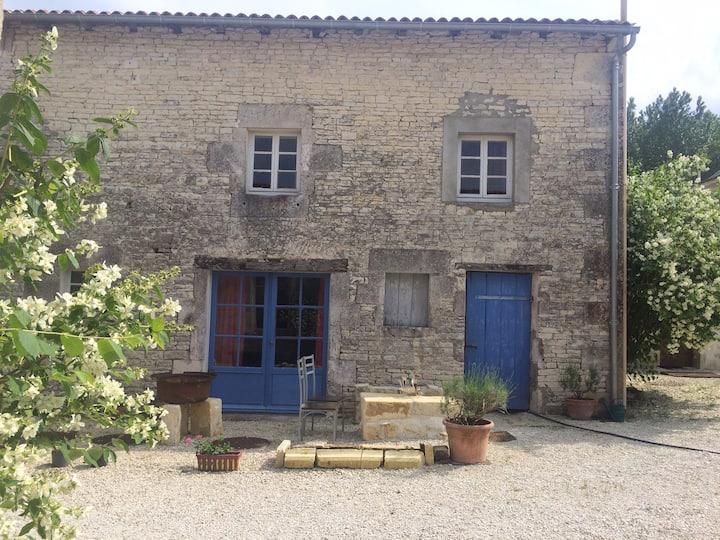 Maison Charentaise, au Moulin de La Laigne