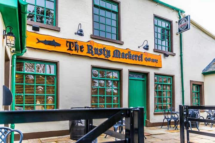 The Rusty Mackerel Bar Restaurant & Accommodation