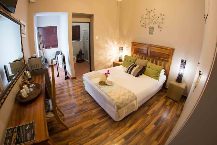 Room with Double Bed en suite