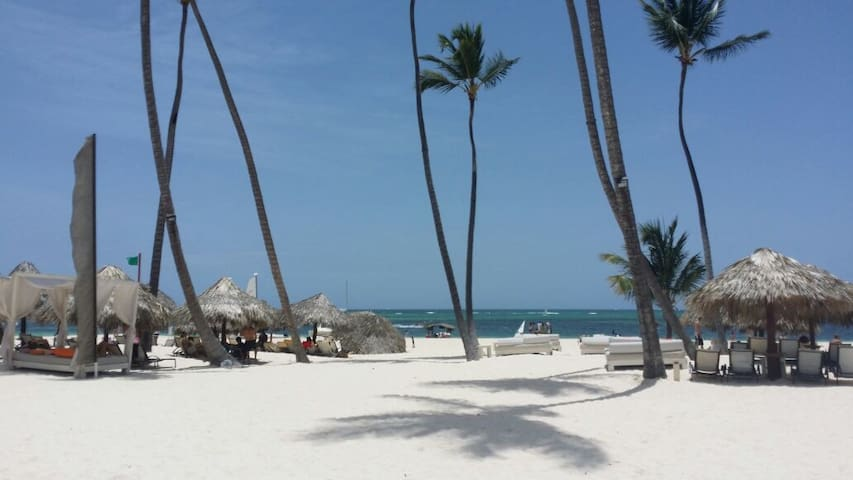 Spring break discount. Sun, beaches and relaxing