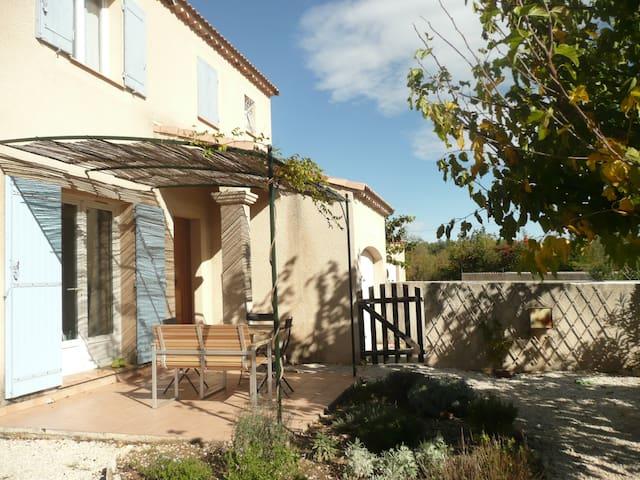 Maison familialle au coeur du Luberon. - Cabrières-d'Avignon - Haus