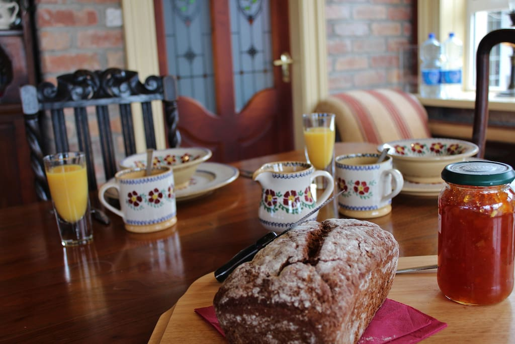 Traditional fare on our menu include freshly baked treacle bread, a real taste of irish home cooking.