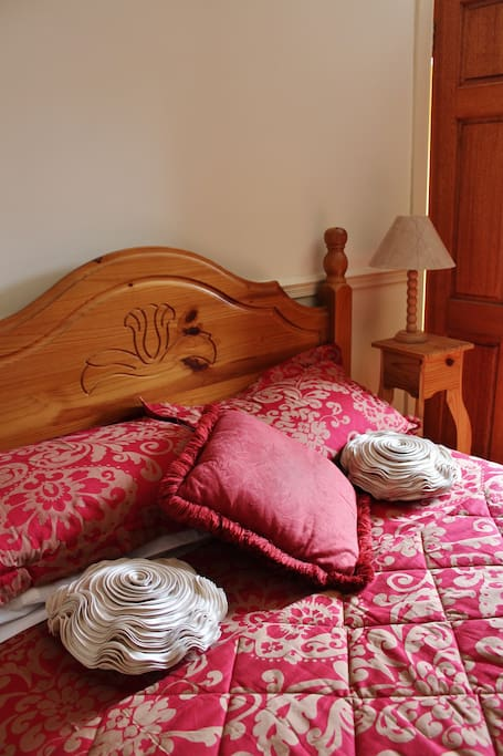 Comfortable rooms, stunning views and all ensuite.  The perfect place for a good nights sleep.