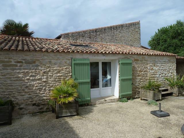 Maison authentique de bord de mer - Saint-Clément-des-Baleines - Casa