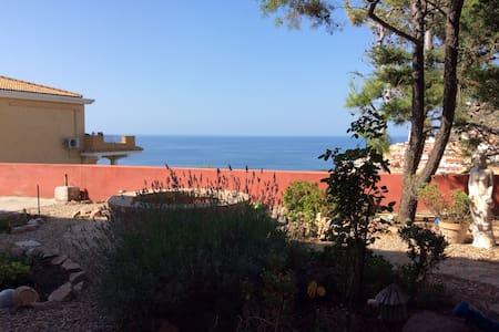 Garden veranda flat with sea view - Кастельсардо