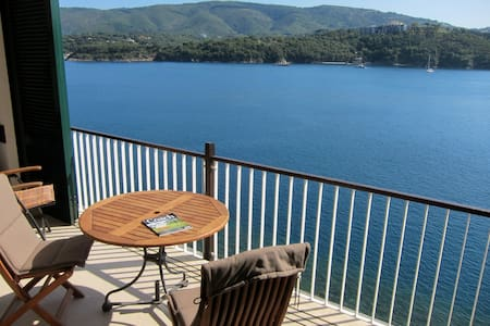 Isola d'Elba direkt am Meer - Porto Azzurro