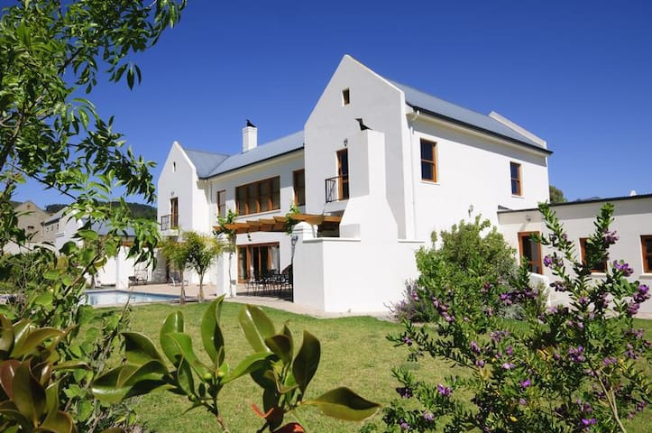 Villa Westhof Guest Accommodation, De Balke