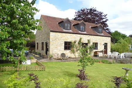 Kingfisher Cottage, nr Sherborne, Bruton, garden - Somerset - House