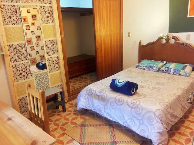 Casa ToToRo - cuarto privado frente al jardin