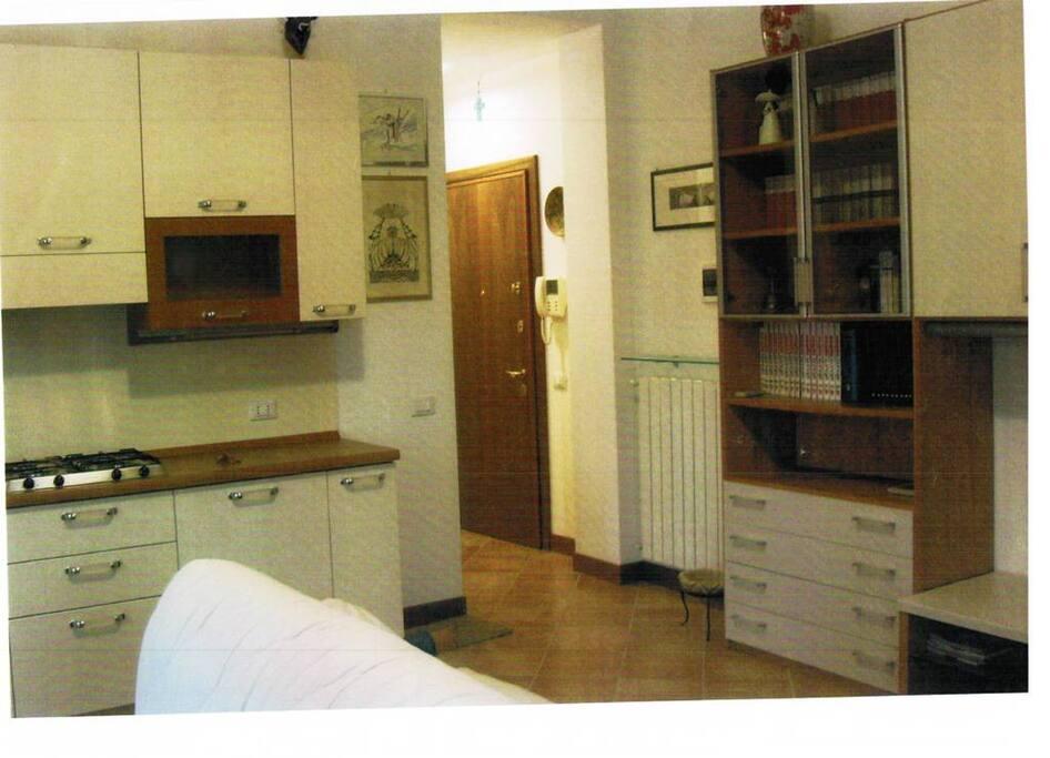 Accogliente monolocale centrale appartamenti in affitto for Appartamenti in affitto a cremona arredati