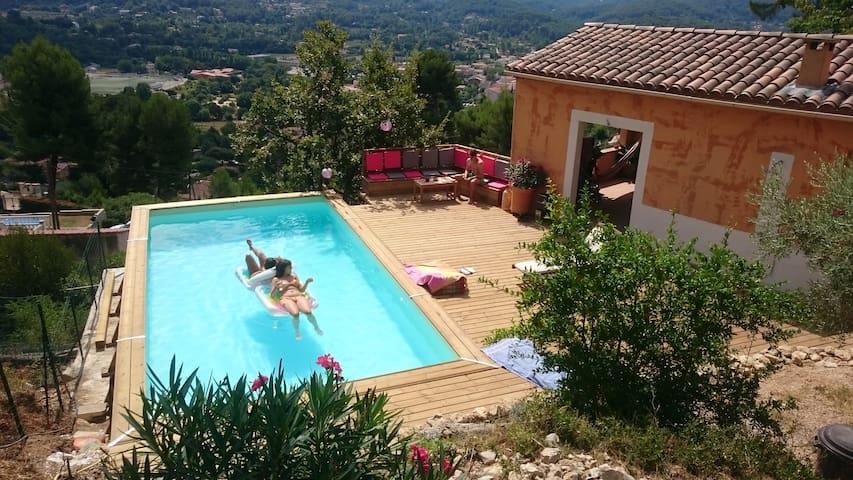 Home with swimmingpool - Auriol - House