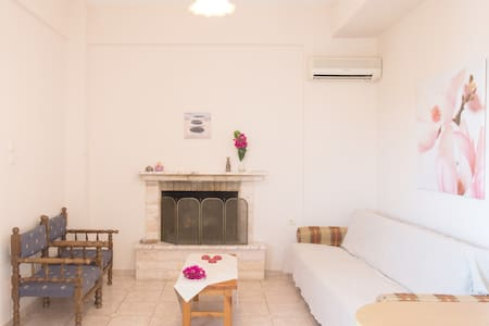 2 BEDROOM APPARTMENT in KALAMAKI - Messinia