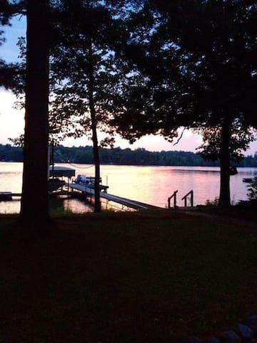 Luxury Lake Lodge - Waupaca - Casa