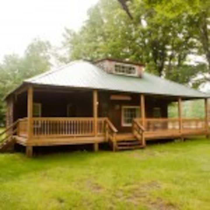 Blue Hill Lodge & Cafe