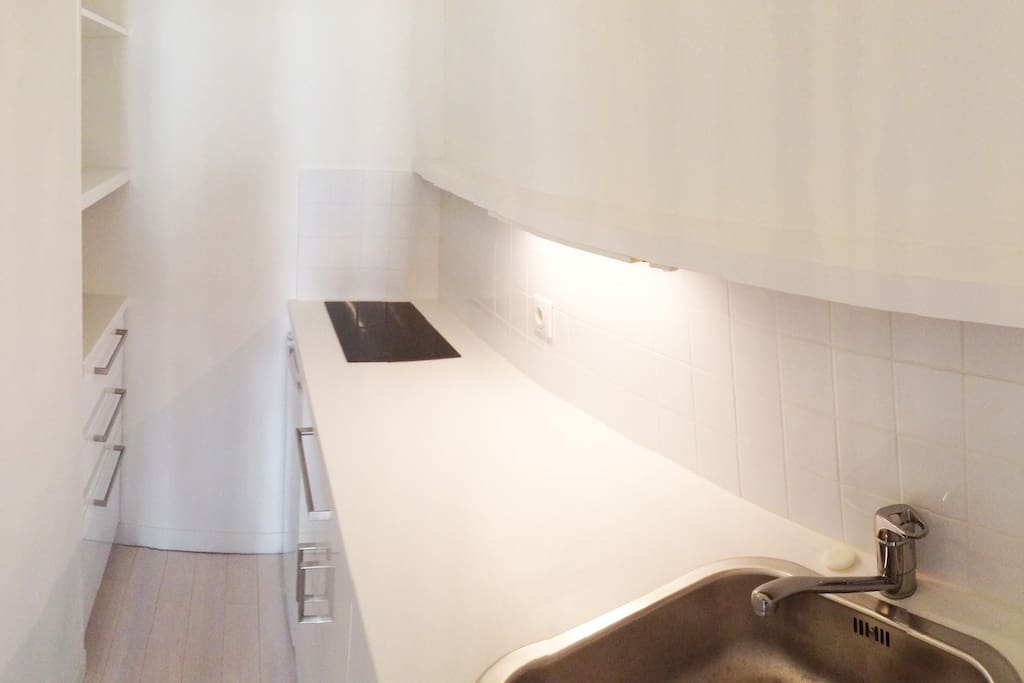 Separate kitchen - fully equipped to allow for in-house meals
