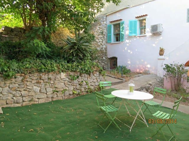 Beautiful little house in Provence - La Cadière-d'Azur - Huis