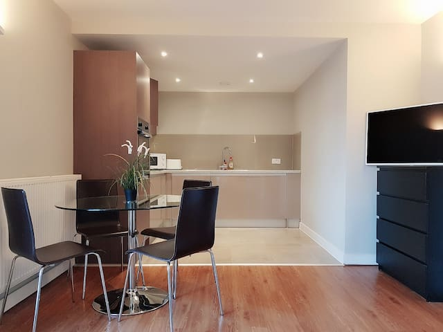 *****JQ Stylish City Apartment*****