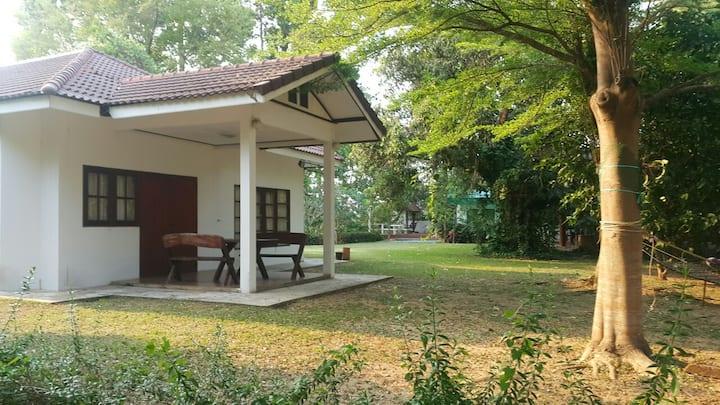 Bansuanmaenam Riverside House