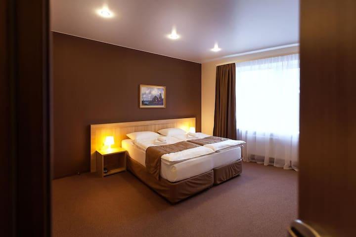 "Отель ""Чехов"" - Tver' - Bed & Breakfast"