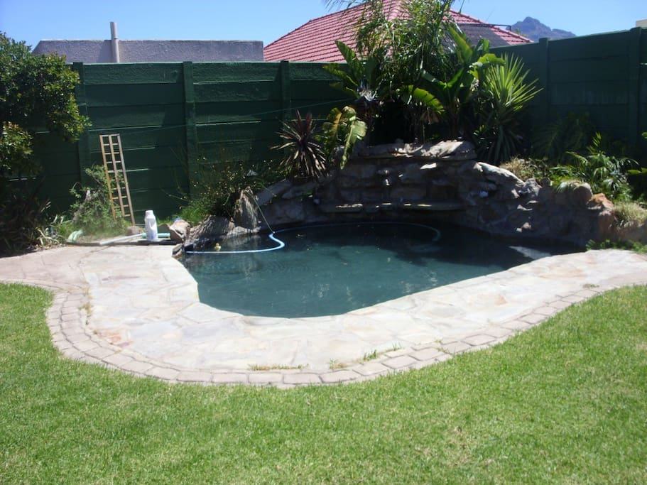 Access to the garden plunge pool