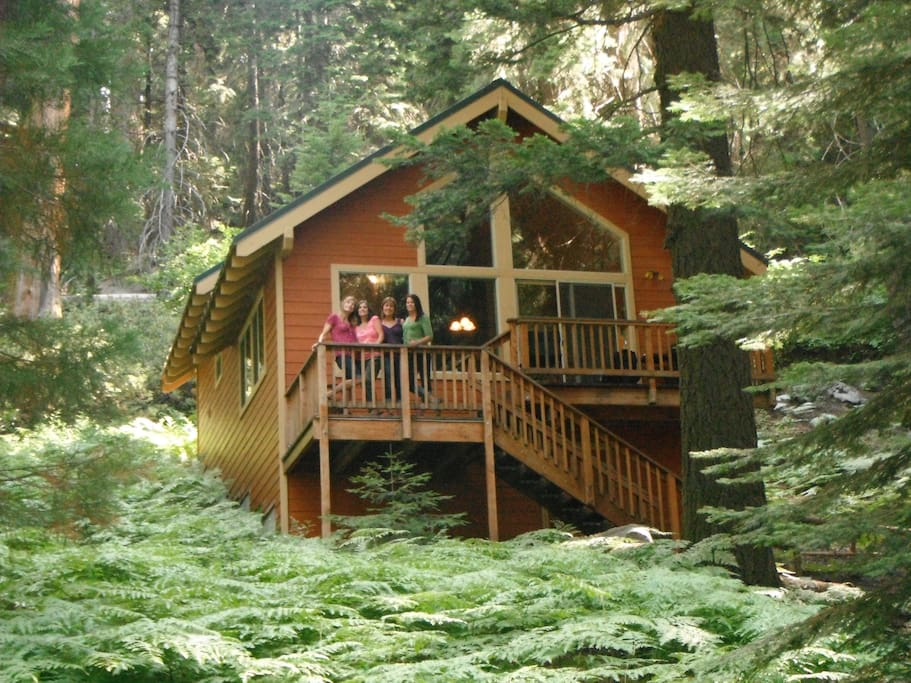 Beautiful cabin in a sequoia grove cottages for rent in for Log cabin sequoia national park
